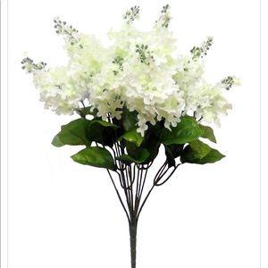 Faux Silk White Spring 19'' Lilac Bush Floral